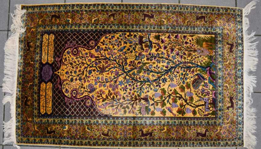 KESHAN prayer rug, silk, signed, Central Iran 20. Century - photo 3