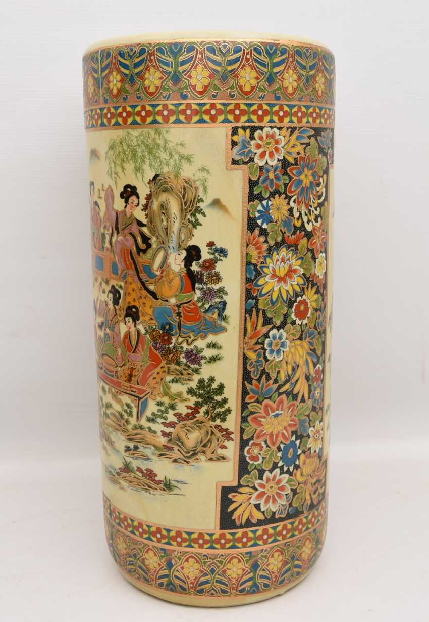 "Umbrella stand ""GEISHA"", printed porcelain gold equipped, Japan 20. Century - photo 1"