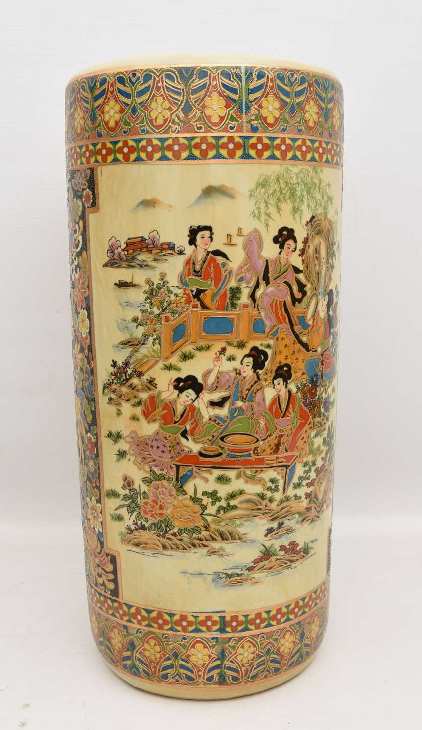 "Umbrella stand ""GEISHA"", printed porcelain gold equipped, Japan 20. Century - photo 2"