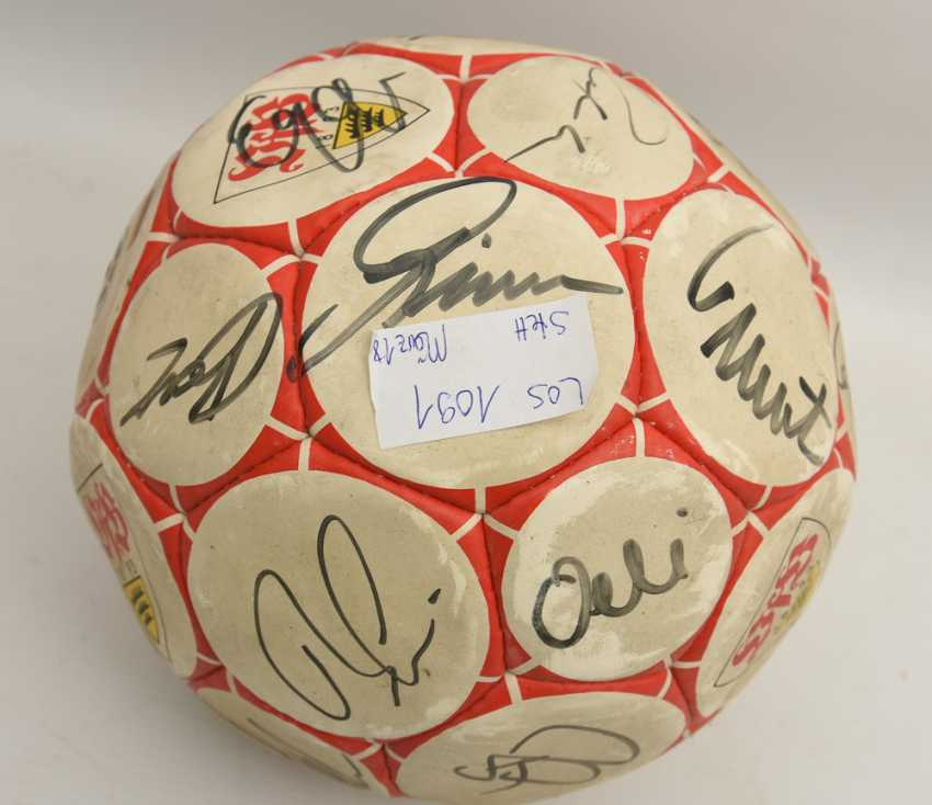 SIGNED VFB BALL, printed and described leather, 1990's - photo 1