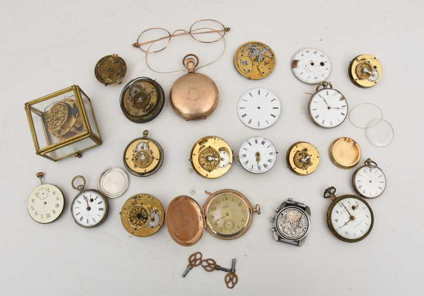 COLLECTION OF BROKEN POCKET WATCHES AND WATCH MOVEMENTS, 19./20. Century - photo 3