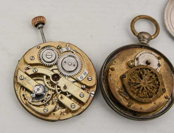 COLLECTION OF BROKEN POCKET WATCHES AND WATCH MOVEMENTS, 19./20. Century - photo 5