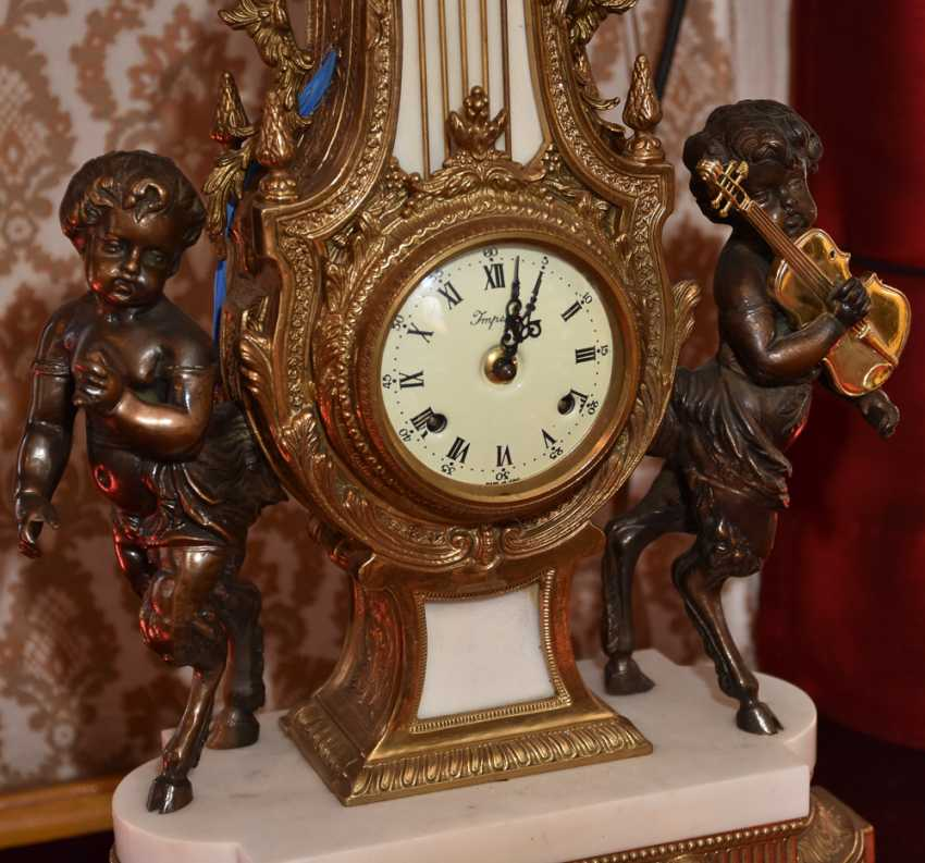Mantel clock SET, brass/white marble, France in 1865 - photo 2