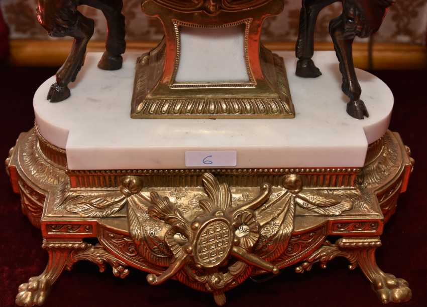 Mantel clock SET, brass/white marble, France in 1865 - photo 4