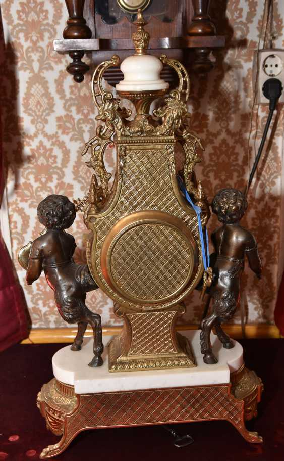 Mantel clock SET, brass/white marble, France in 1865 - photo 10