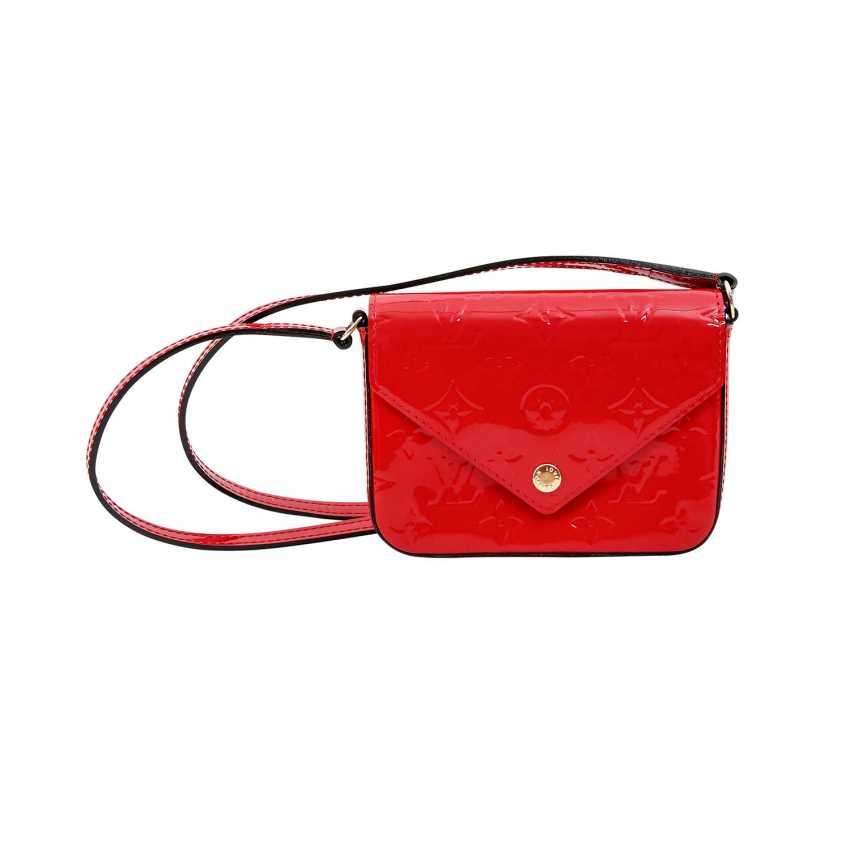 Lot 13 LOUIS VUITTON shoulder bag