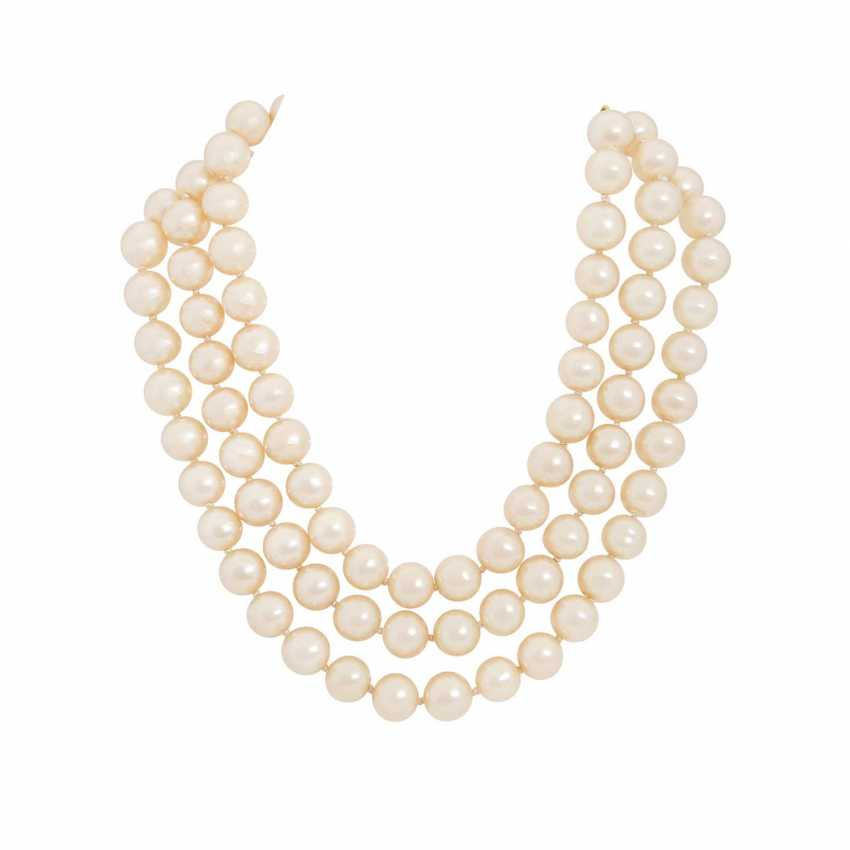 6347805a3284 Lot 40. CHANEL VINTAGE fashion jewelry-necklace