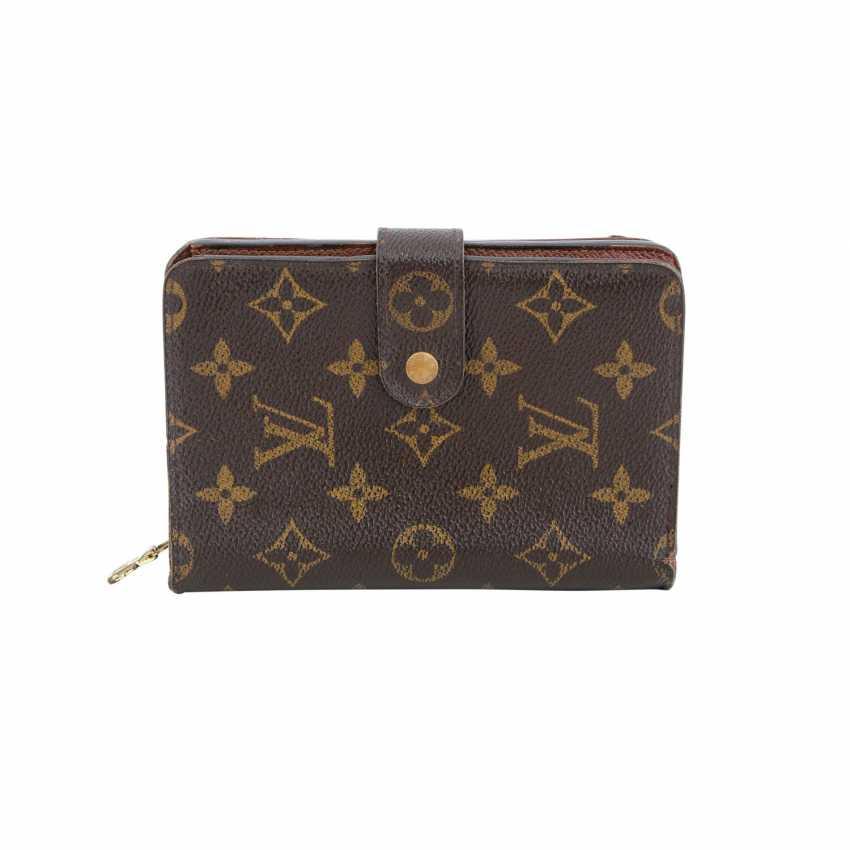 867ef9a8c94a2 Lot 123. LOUIS VUITTON wallet