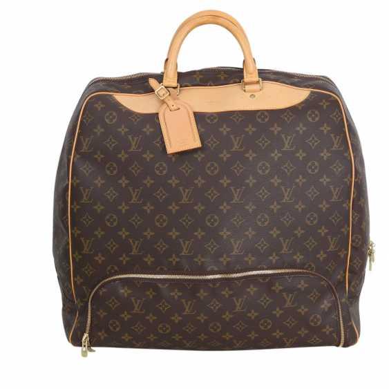 a80eaae039d1d Lot 82. LOUIS VUITTON VINTAGE travel  sport bag