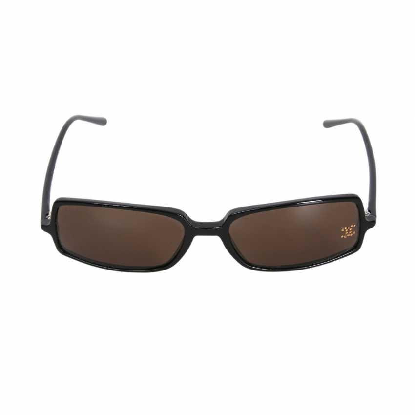 d4293a731d5 Lot 125. CHANEL VINTAGE Sonnenbrille