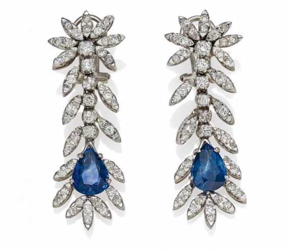 SAPPHIRE AND DIAMOND DROP EARRINGS. Germany, around 1970. - photo 1