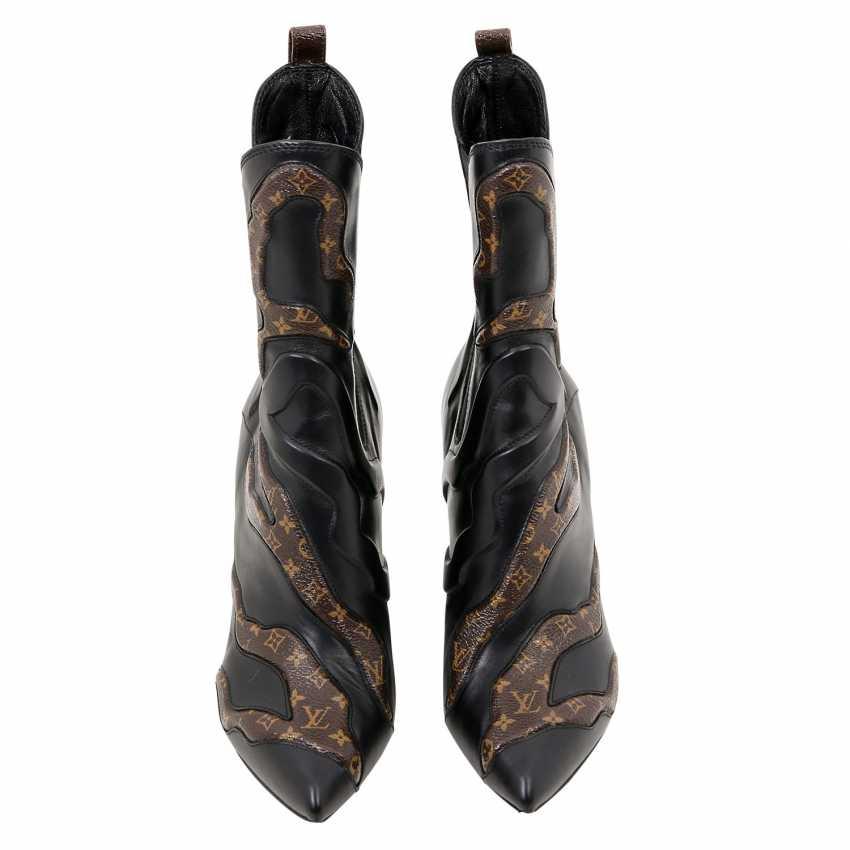 LOUIS VUITTON ankle boots \