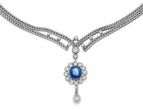 SAPPHIRE AND DIAMOND PENDANT CHAIN. Germany, around 1960. - photo 1