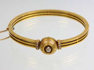 antique bangle with diamonds - yellow gold 560