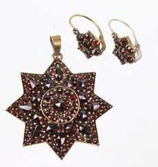 Garnet pendant and earrings to 1860/80