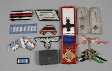 Mixed lot of medals and badges of rank 2. World war