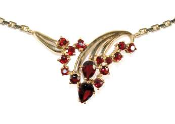 Garnet necklace 585 yellow gold