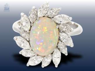 Ring: highly decorative Opal/diamond-and-gold wrought ring made of platinum, a very expensive brand-name jewellery by Pauly, NP 9800, -€ 3,92 ct