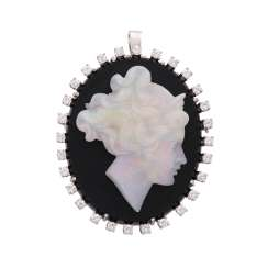 Pendant/brooch with Opalkamee on Onyx surrounded by diamonds,