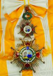 Spain: order Isabella the Catholic, 5. Model (1938-1975), Grand cross set, in a case.
