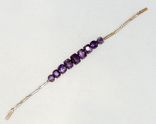 Bracelet with amethysts