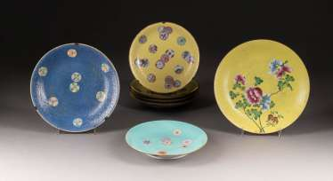 SEVEN EXPORT-CUPS WITH FLORAL DECOR