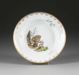 SOUP PLATE WITH WILD CAT