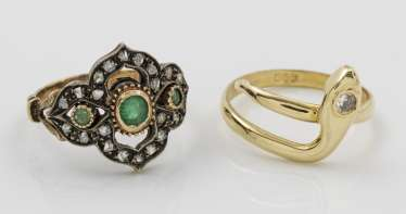Snake ring and the Belle Epoque-emerald-ring