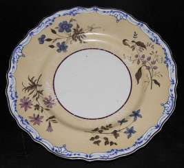 Plate with flowers. IPE