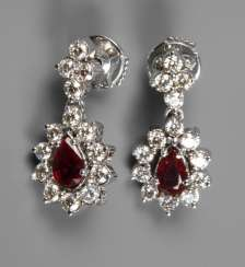 Pair of earrings with brilliants and rubies