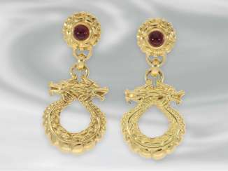Earrings: high quality gold work of the house of Wempe, motif
