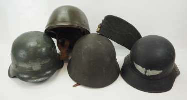 International: Lot helmets and headgear.