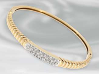 Bracelet: very decorative bangle with brilliant-cut diamonds, approx 0.36 ct., 14K yellow gold