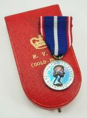 Great Britain: Royal Victoria Order, Gold Medal of Honor, 6th model (since 1955), version for men, in a case.