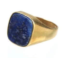 Lapis lazuli men's ring - yellow gold 585