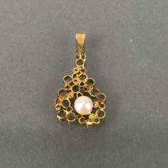 Designer pendant with pearl, yellow gold 585.