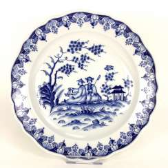 Large Wall Plate: Meissen Porcelain, Decor, China Blue, 19. Century, very good.