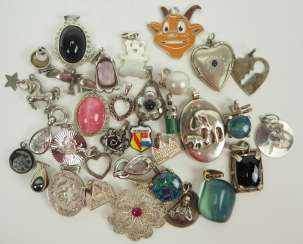 Lot of chain pendants SILVER.