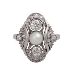 Ring with Akoya cultured pearl and diamonds together is approximately 0.7 ct