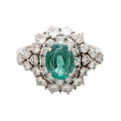 Ladies ring with emerald & Brilliant stocking.