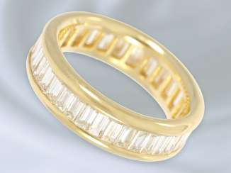 Ring: unusual, massive, and very high quality diamond eternity ring, expensive gold work from 18K Gold, the finest diamonds of approximately. 3ct wrought