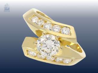 Ring: modern and very attractive brilliant ladies ring set with the finest brilliant stocking, handmade in 18K Gold, approx 1.7 ct