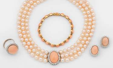 Classic Angel Skin Coral Parure