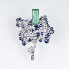Vintage flower brooch with diamond, sapphire and emerald trim