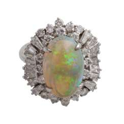 Ladies ring with 1 oval opal cabochon