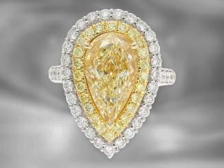 Ring / pendant: very high-quality, very special multifunctional ring / pendant with valuable colored pear-shaped diamond of 5 ct and rich diamonds, as good as new, GIA report