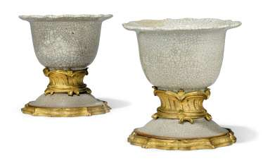 A PAIR OF LOUIS XV ORMOLU-MOUNTED CHINESE GE-TYPE GREY PORCELAIN BOWLS