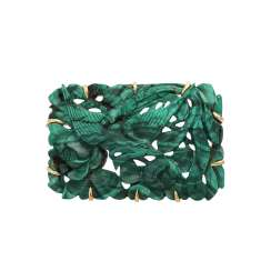 Brooch with malachite