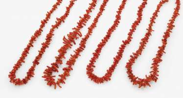 Collection of coral jewelry, Italy and Germany, 2nd half 19th century and early 20th century