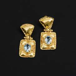 Pair of stud earrings with blue topaz?